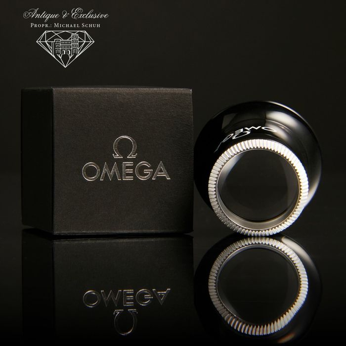Omega Dark Side of the Moon - Concessionaire Lens 2021 Office / Jeweler luxury  Monocle Loupe x 2,5 Glass inc. Gift Box & Papers