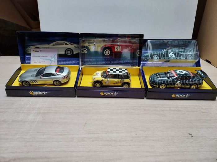 Scalextric - 1:32 - Mini Challenge# 6 / Mercedes SLR Mc Laren / Maseratti Coupe