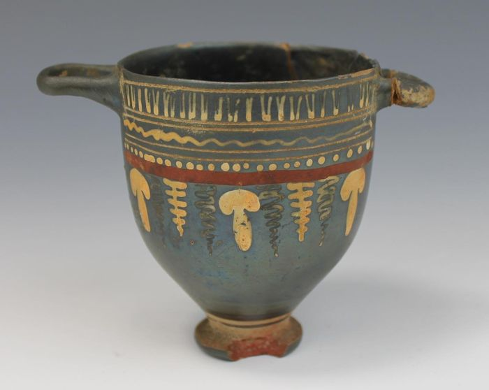 Ancient Greek Ceramic Gnathic Skyphos and a Kylix on a low foot (Gnathian) - 9×11.5×7 cm - (2)