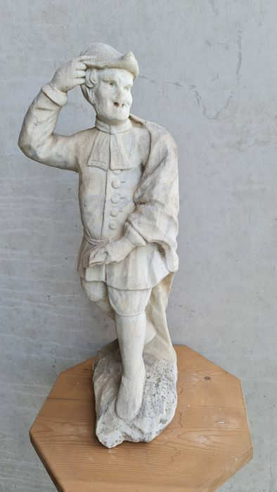 Sculpture, Male statue depicting a mask from the Venice carnival - Carrara marble - 20th century