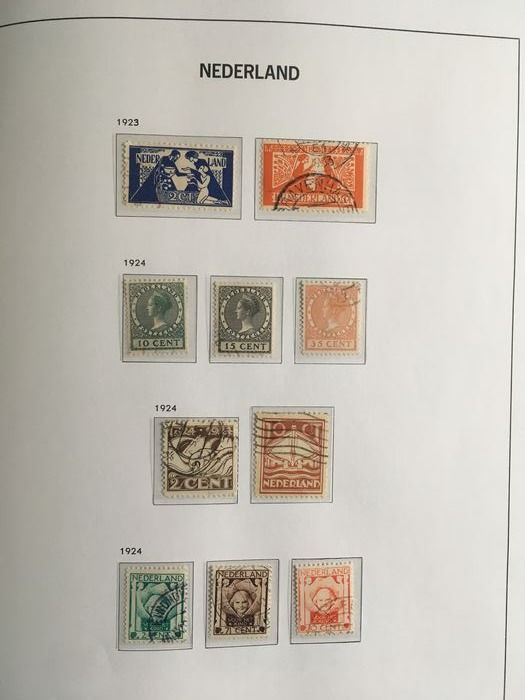 Paesi Bassi 1923/1944 - Collection between NVPH 134 and 427 in a DAVO LX album