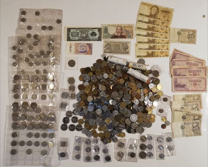 World. 4 kg of Coins & 24 Banknotes 1900/2000