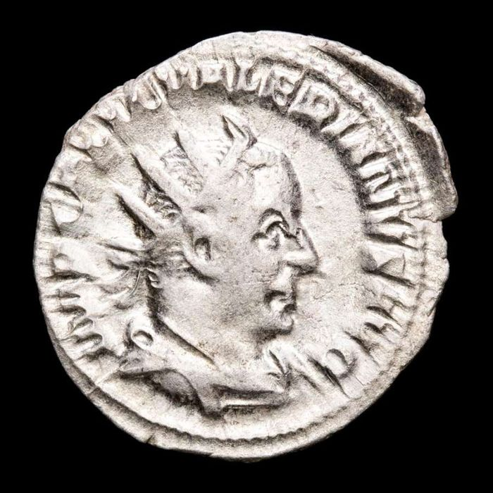 Roman Empire. Valerian I (AD 253-260). AR Antoninianus,  Rome - VICTORIA AVGG, Victory standing left resting on shield and holding palm.