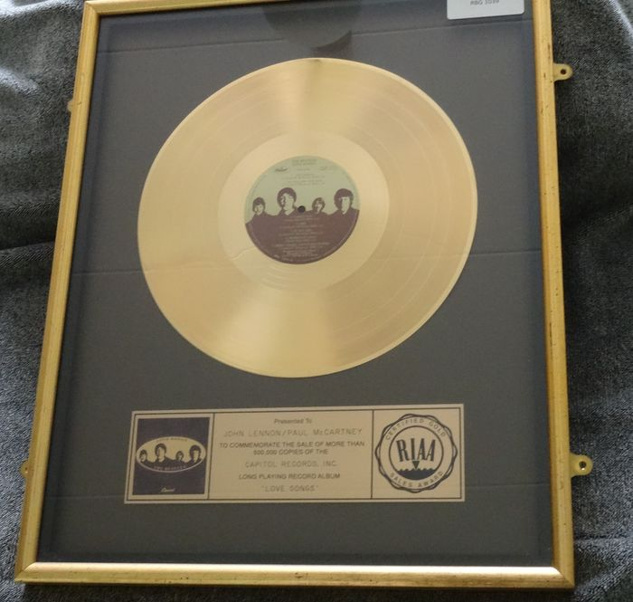 Beatles - Love Songs Gold Record Disc To John and Paul - Prix officiel RIAA - 1977/1977