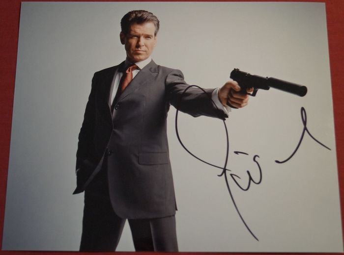 James Bond 007: The World is Not Enough - Pierce Brosnan - Foto, Handtekening, with Certified Genuine b´bc holographic COA