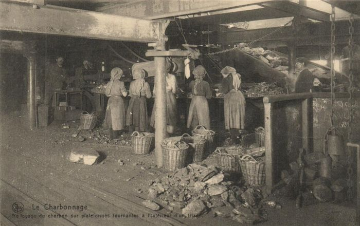 Coal Mines - Various scenes of coal mines - including animated maps. - Postcards (Collection of 29) - 1900-1960