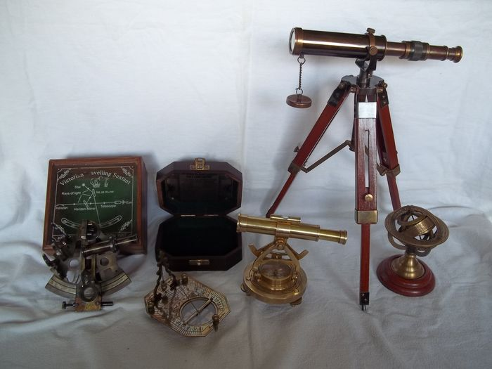 Nautical Instruments Collection - Telescope, theodolite, sextant in wooden box, sferic astrolab and pendulum compass in wooden box - Very good condition.