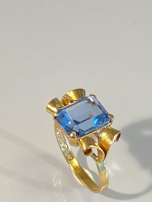 NO RESERVE PRICE - 18 kt Gelbgold - Ring - 3.00 ct Spinell