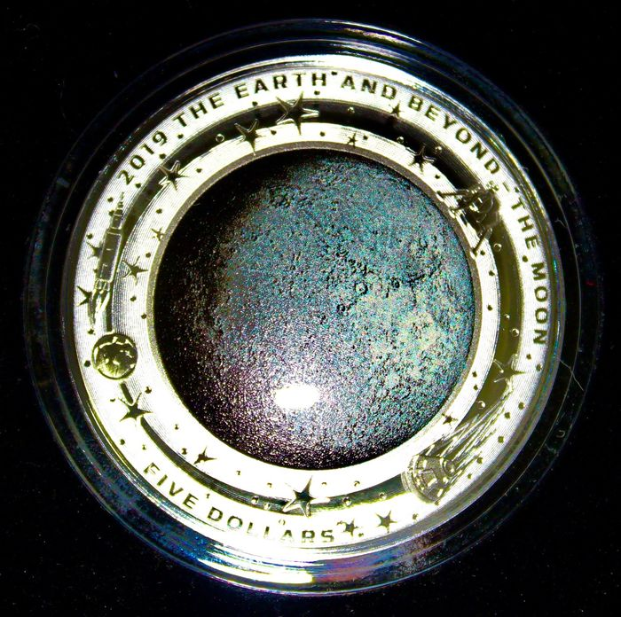 """Australië. 5 Dollars 2019 """"Earth and Beyond - The Moon"""" - 1 Oz"""