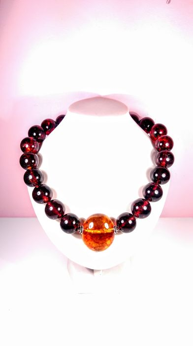 Cherry colour Baltic Amber - Collier