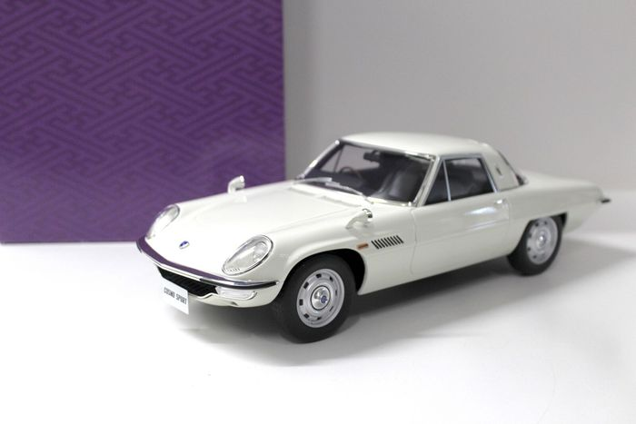 Kyosho - 1:12 - Mazda Cosmo Sport - Limited Edition of 600 pcs. (Individually Numbered)