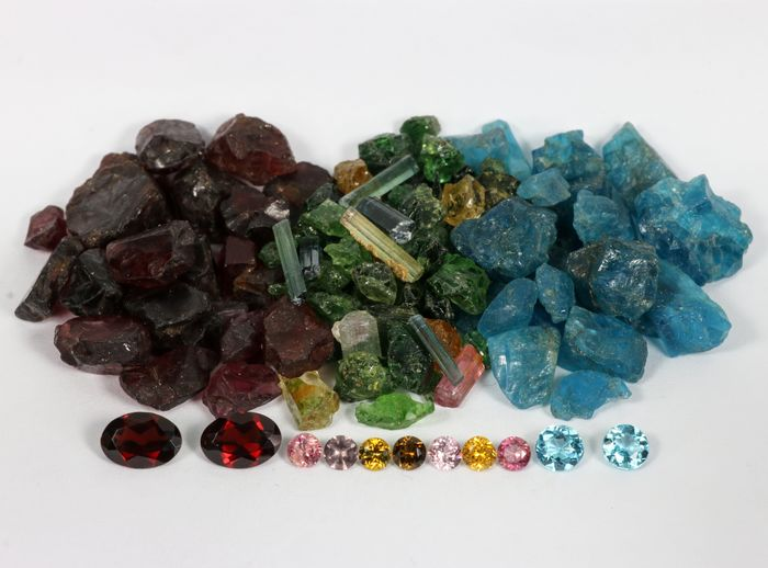 Collection of Garnet, Tourmaline, Apatite: Before and After - 110.6 cts, - 22.12 g