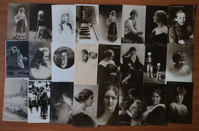 Royalty, Royal Family of Romania - Postcards (Group of 50) - 1900