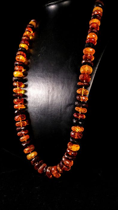 Faceted Baltic Amber - Collier