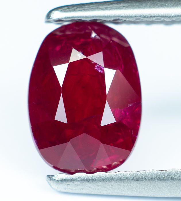 """No Reserve - """"Pigeon Blood"""" Red Ruby - 1.14 ct"""