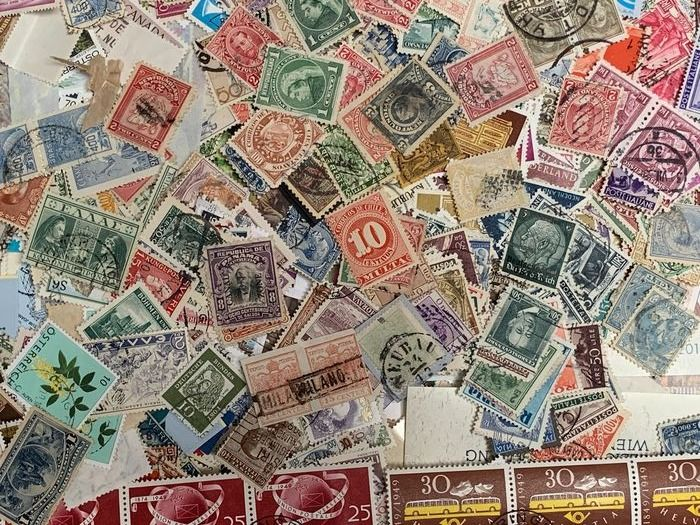 Mondo - Boxes with stamps with classical period world, German Empire/German Reich, detached stamps and