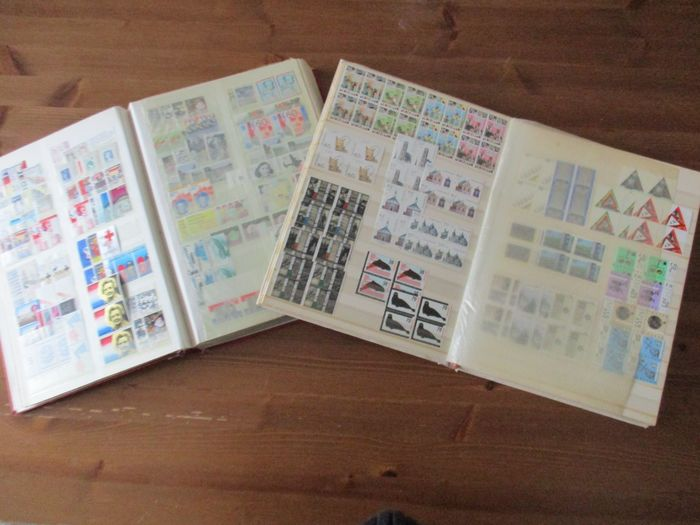 Paesi Bassi 1913/2000 - Batch with many blocks of four in 2 stock books