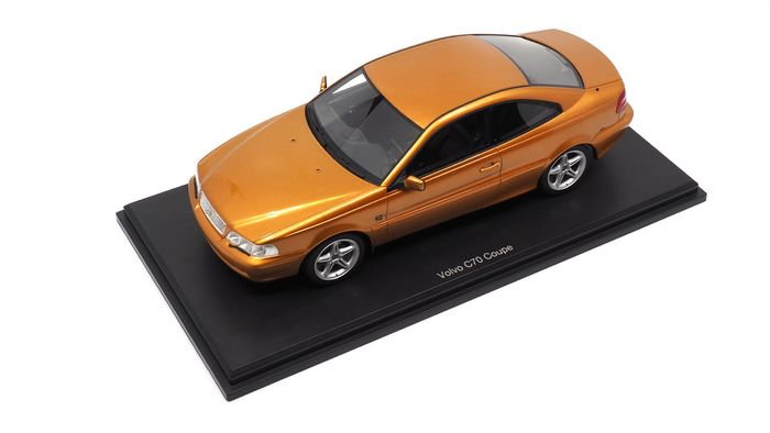 DNA Collectibles - 1:18 - Volvo C70 Coupé - (Each chassis numbered)