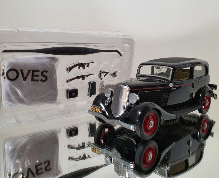 Franklin Mint - 1:24 - John Dilliger's Ford Deluxe 1933 ...