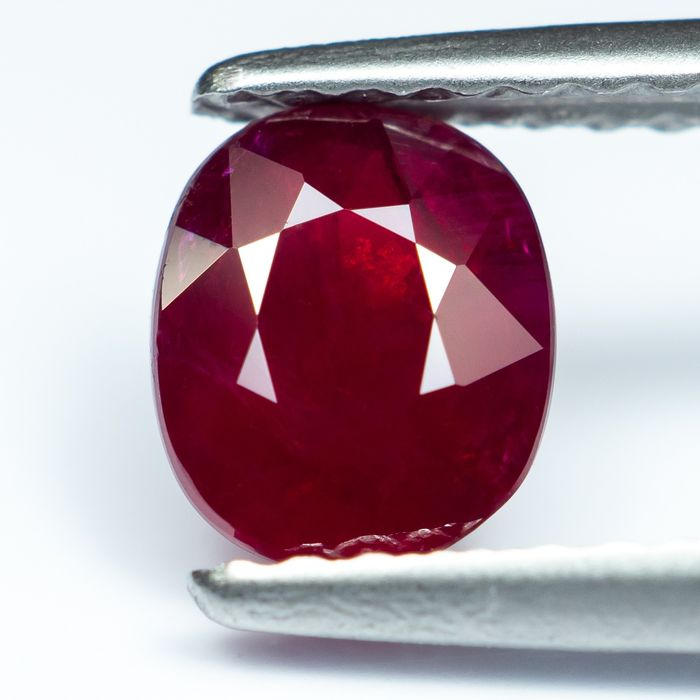 """No Reserve - """"Pigeon Blood"""" Red Ruby - 1.02 ct"""