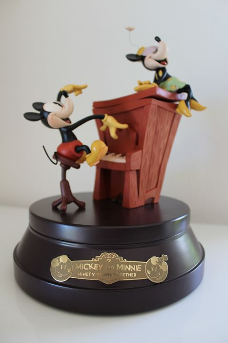 Disney - Beeldje - Mickey en Minnie Mouse - 90 years together - Limited Edition - (2018)
