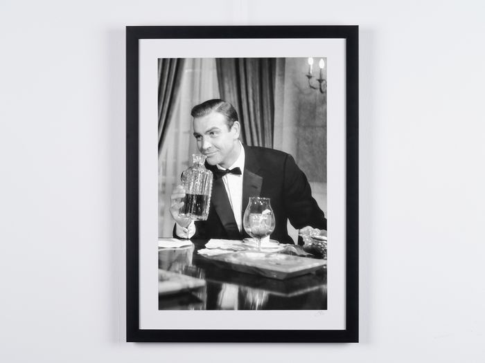 James Bond 007: From Russia with Love - Sean Connery as 007 - Φωτογραφία, nr 05/50 - 70X50 cm - Framed, with numbered COA, Hologram and QR Code