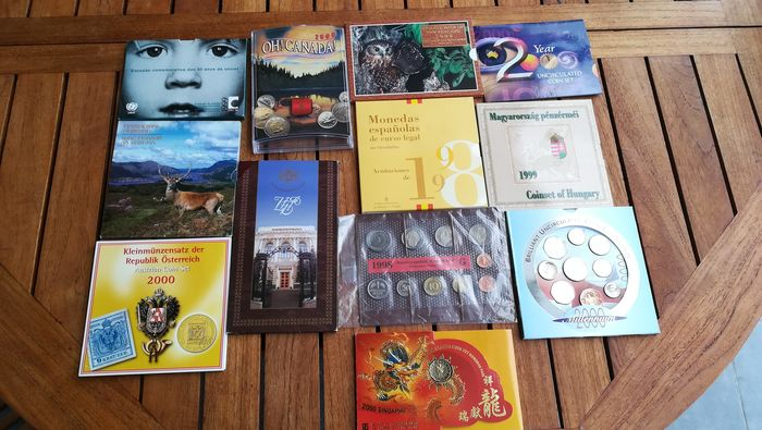 Monde. Lot various coinsets 1997/2000 (12 items)