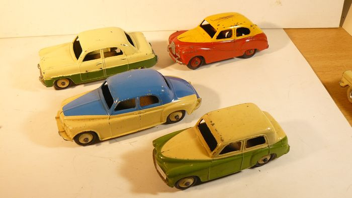 Dinky Toys - 1:43 - Dinky toys England two tone cars - Rover Ford Zephyr Hillman Minx Austin Somerset