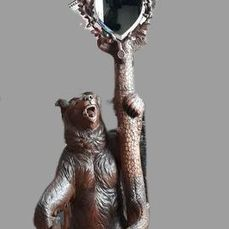 A large Black Forest coat rack / umbrella stand with playful bears - 225 cm. - Art populaire - Bois - ca. 1900
