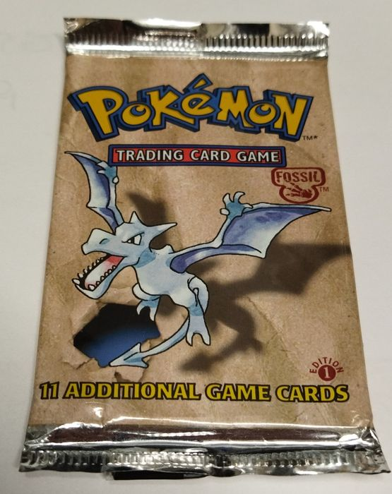 Wizards of The Coast - Booster Pack Pokemon Booster English Pack Fossil Set Factory Sealed FIRST EDITION Aerodactyl Artwork 20,8 gr - 1999