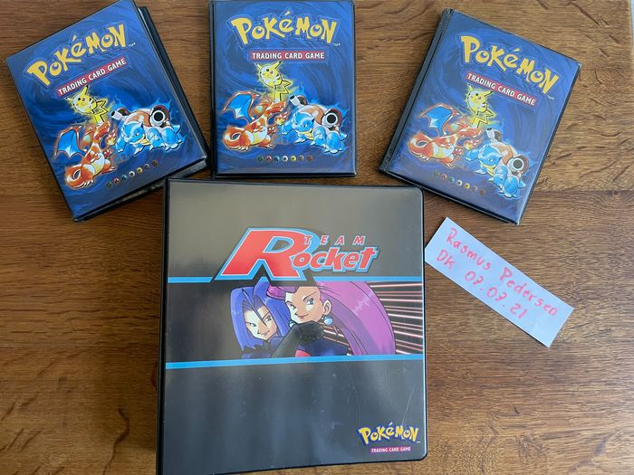 Wizards of The Coast - Pokémon - Album complet THE Pokemón WOTC collection (5 complete sets + booster) - 1995