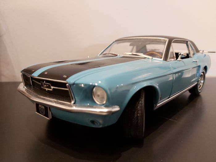 """Greenlight - 1:18 - Ford Mustang 1967 - """"Ski Country Special"""" - Limited Edition"""