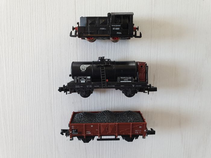 Arnold N - 0154 - Diesel locomotive, Freight carriage - Köf II with two wagons, time period II - DRG