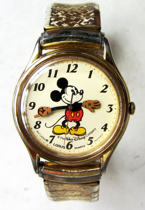 """Disney - Vintage MICKEY MOUSE """"Moving Hands"""" by LORUS (Seiko) 30mm V515-6000 (A1) Japan mvt."""