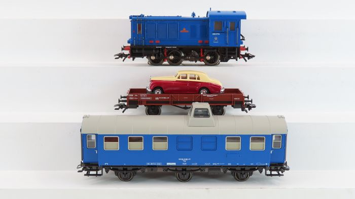 Märklin H0 - 28502 - Train set - V 36 RCT and passenger car and low box car with Rolls-Royce model car - RCT Royal corps of Transportation