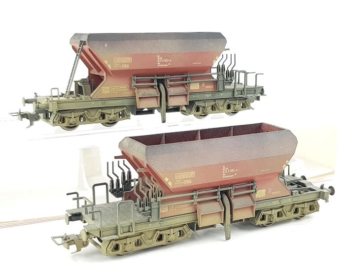 Fleischmann H0 - 5525 - Freight carriage - Two weathered side dischargers - DB