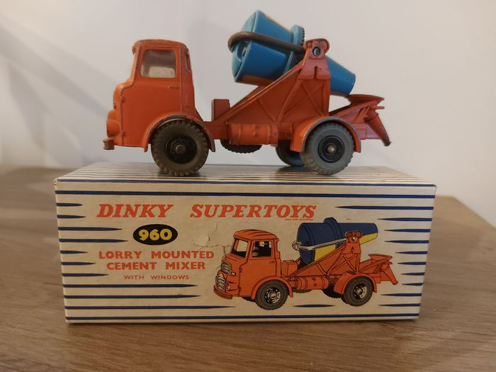 Dinky Toys - 1:43 - 960 Chief Albion