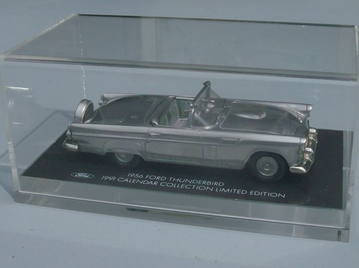 Ford Collection - 1:43 - Ford Thunderbird 1956 with Calendar Limited Edition 671/1111
