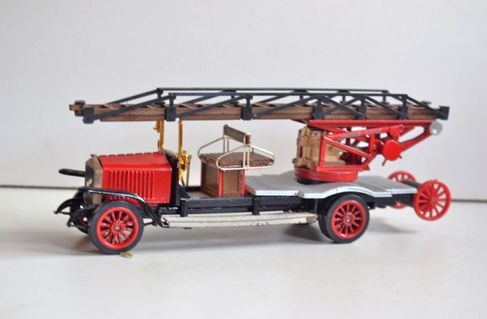 diano - 1:43 - camion pompiers