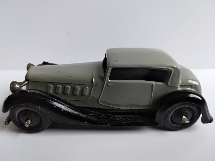Dinky Toys - 1:43 - No.36c Humber