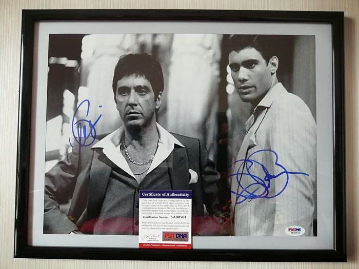 Scarface (1983) - Double Signed by Al Pacino (Tony Montana) and Steven Bauer (Manny Ribera) - Foto, Handtekening Framed, with Coa PSA/DNA