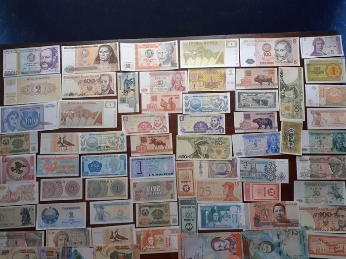 World banknotes - 92x - various denominations - different dates