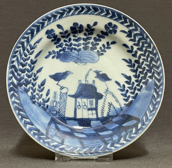 Saucer - Porcelain - Chinese - 'Cuckoo out of the house' - Rare - China - Kangxi (1662-1722)