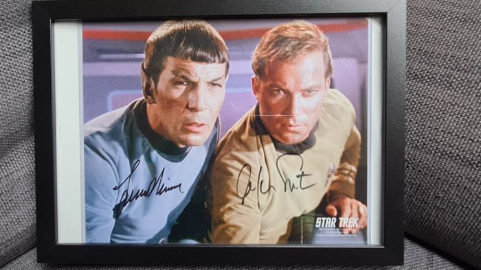 Star Trek -  Classic TV - Signed in person by Leonard Nimoy (+, Spock) & William Shatner (Captain James T. Kirk) - Foto, Handtekening - with COA by Paramount Pictures & Creation Entertainment (2002)