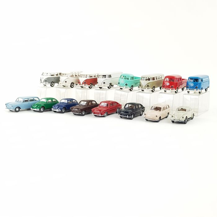 Brekina 1:87 - 90350/90351 - Model cars - Two sets containing 16 Volkswagen oldtimers