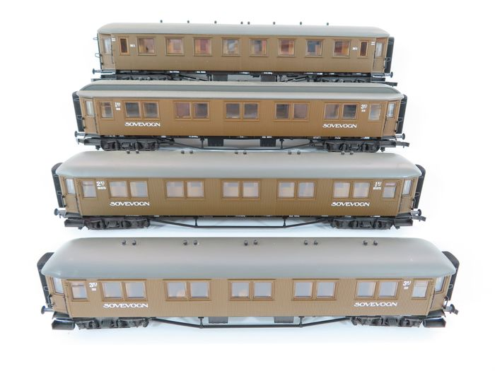 Roco H0 - 44240C/44240A/4221C/4221D - Passenger carriage - 4 Express train carriages 'Sovevogn' 1st, 2nd and 3rd class - NSB