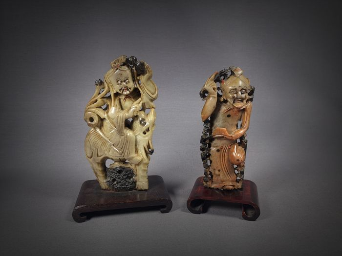 Sculptures (2) - Soapstone, Wood - China - Qing Dynasty (1644-1911)