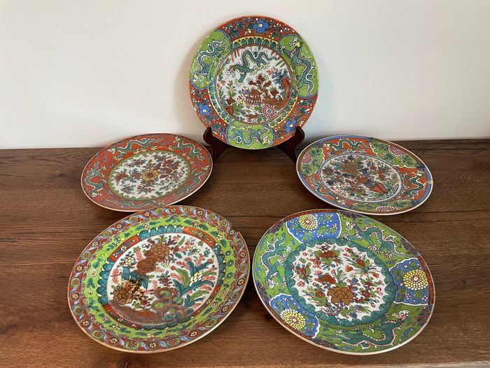 Plates (5) - Porcelain - Clobbered - China - Qing Dynasty (1644-1911)