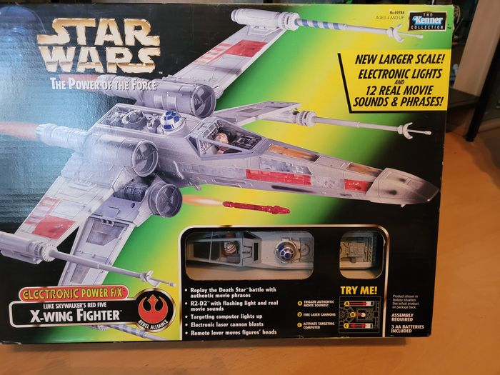 Star Wars - The Power of the Force - Luke's Red Wing X-Wing Fighter - Electronic (1997) - Kenner - Ruimteschip, in Original Box
