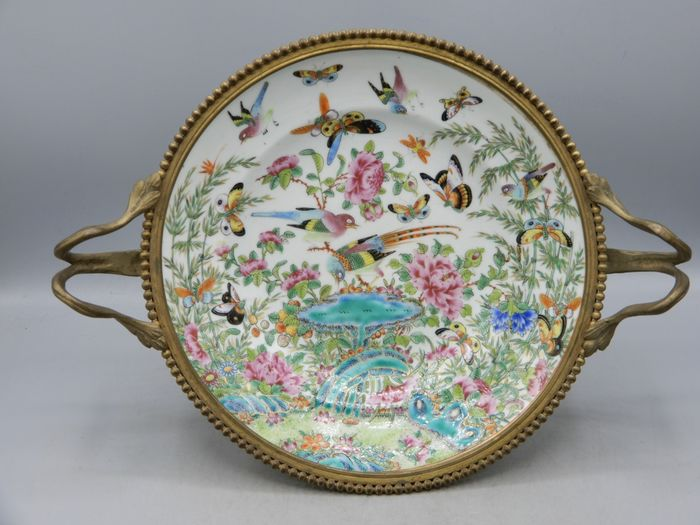 Exceptional plate in bronze mounts - Canton - Porcelain - China - 19th century